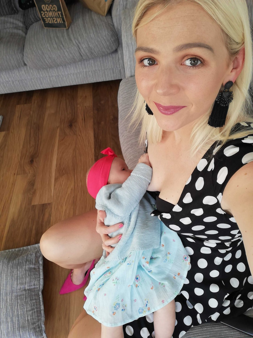 Tracey Quinn breastfeeding daughter Willow