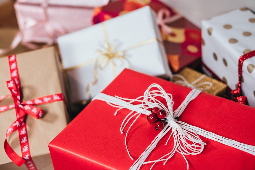 10 Easy Ways To Reign In The Spending This Christmas