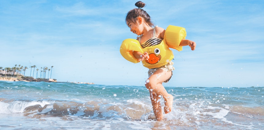 Study shows that childhood holidays boost your happinessolidays
